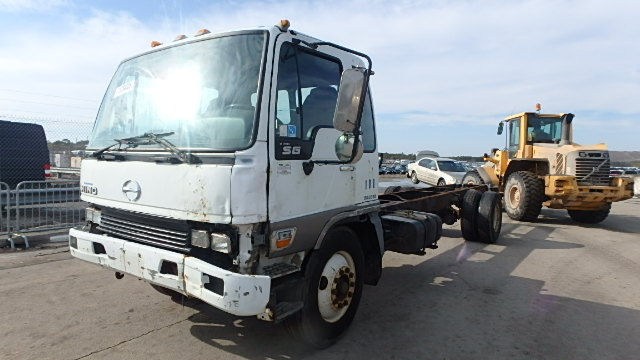 truck wreckers perth - cash for trucks hino fuso